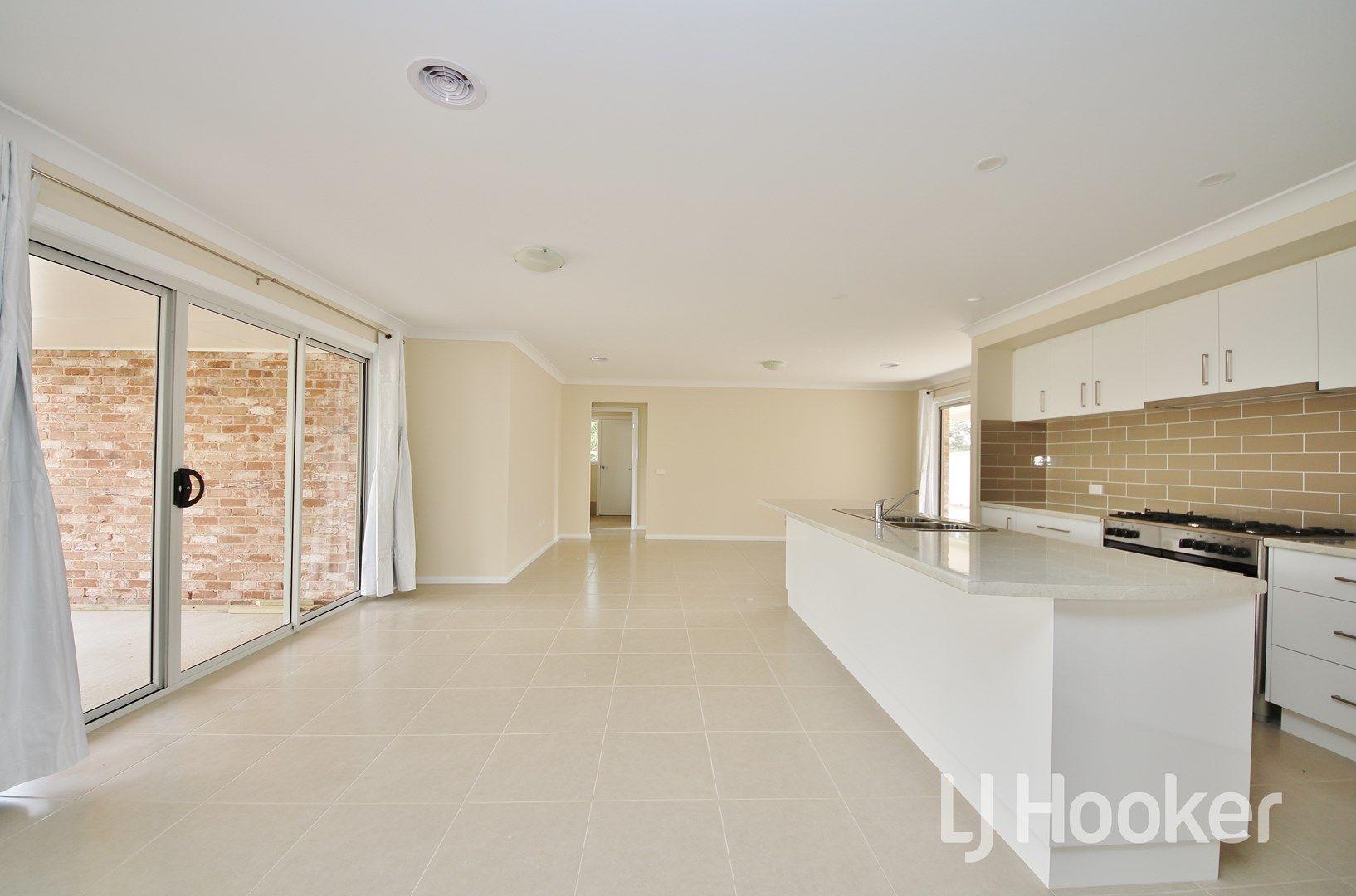 24 Maxwell Drive, Eglinton NSW 2795, Image 2