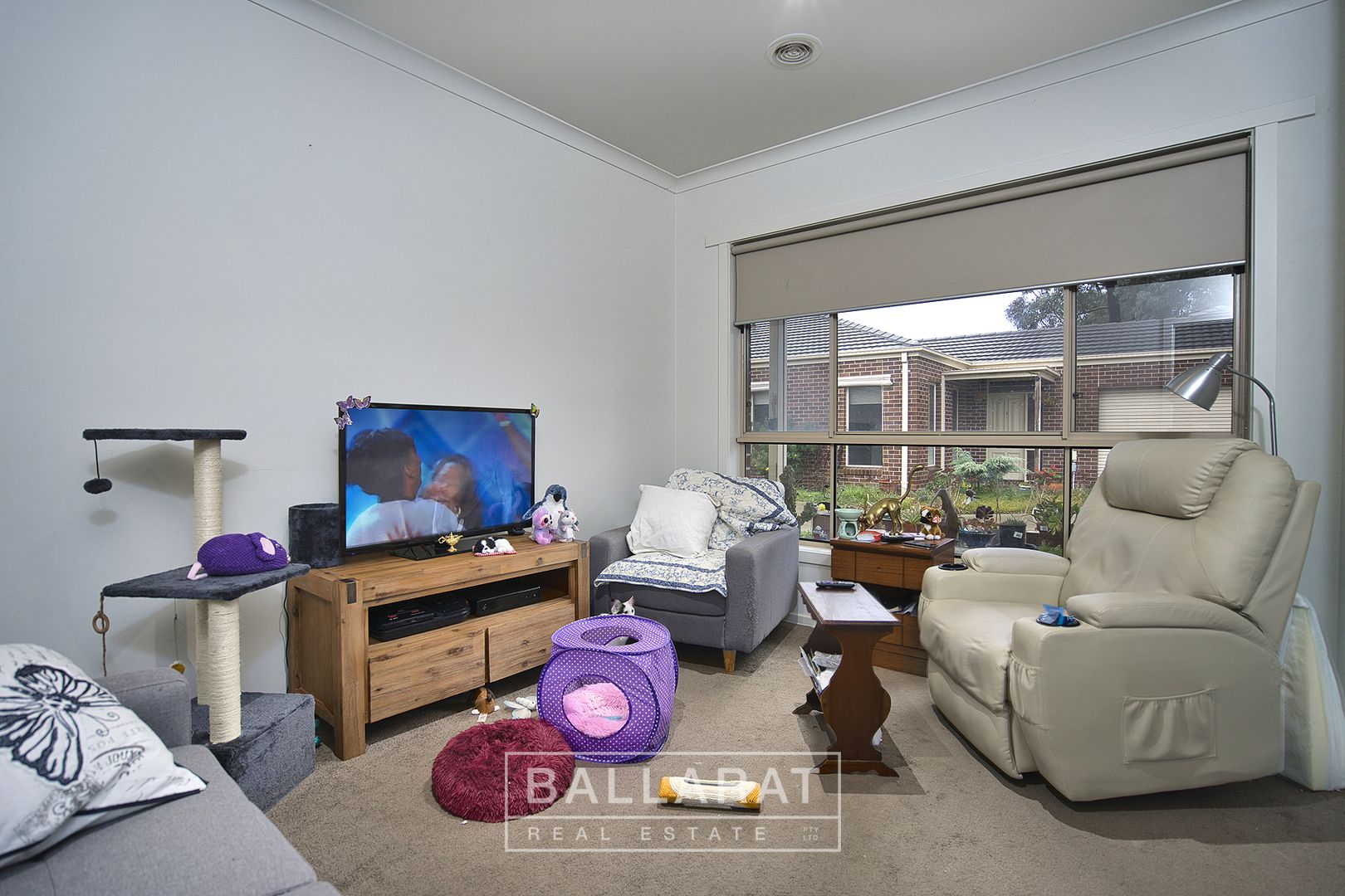 3/18 Gale Street, Canadian VIC 3350, Image 2