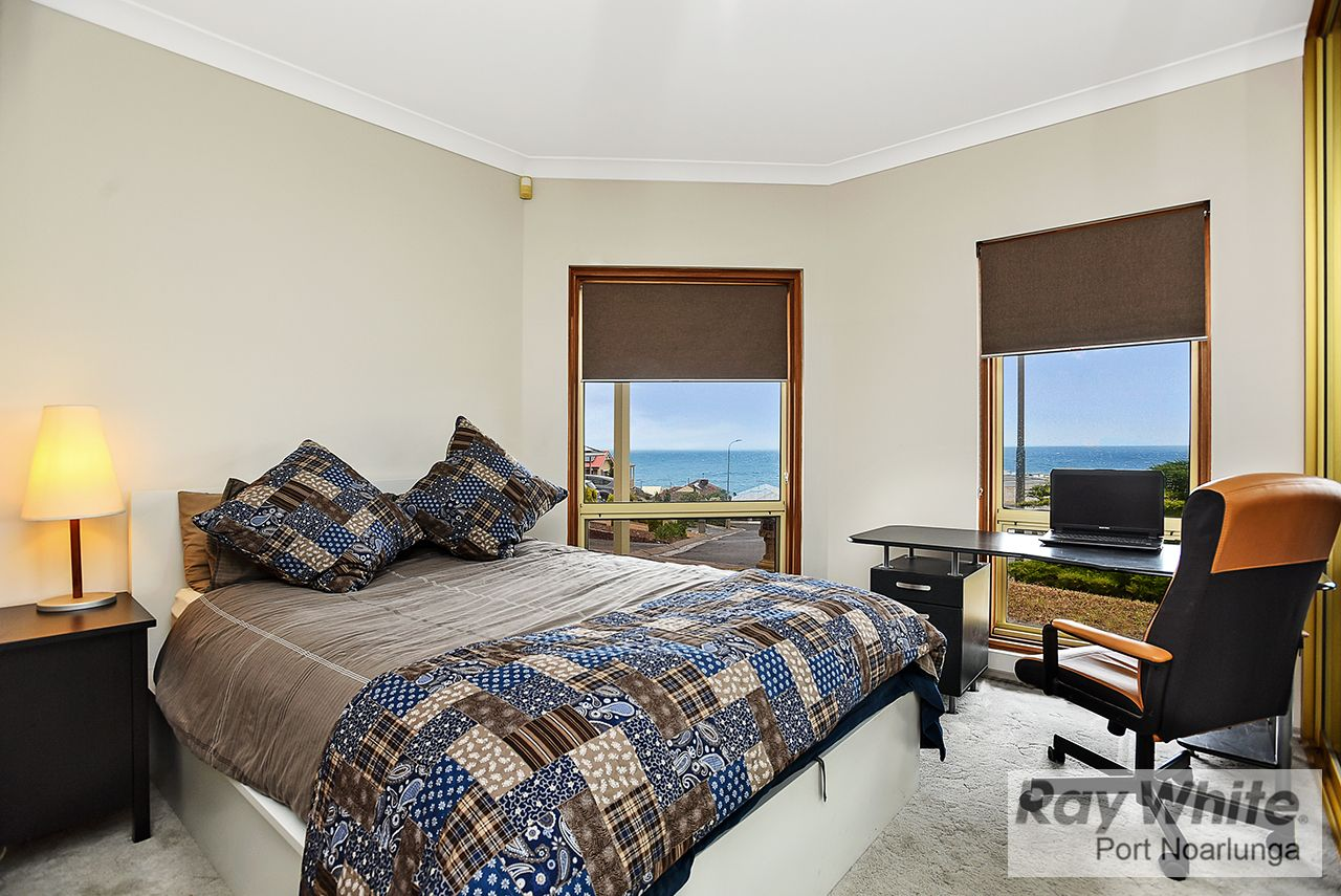 6 Sunset Court, O'Sullivan Beach SA 5166, Image 2