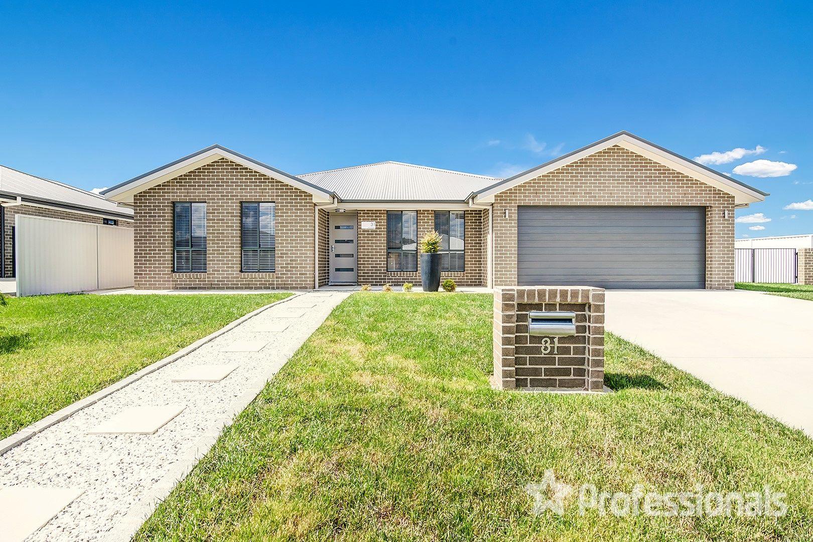 31 Lew Avenue, Eglinton NSW 2795, Image 0
