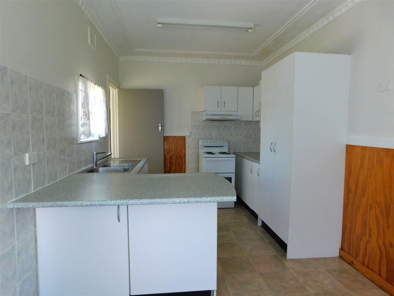 128 Dalgarno St, Coonabarabran NSW 2357, Image 2