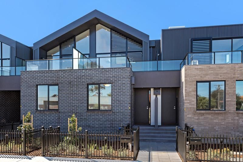 2/12 Russell Street, West Footscray VIC 3012, Image 0