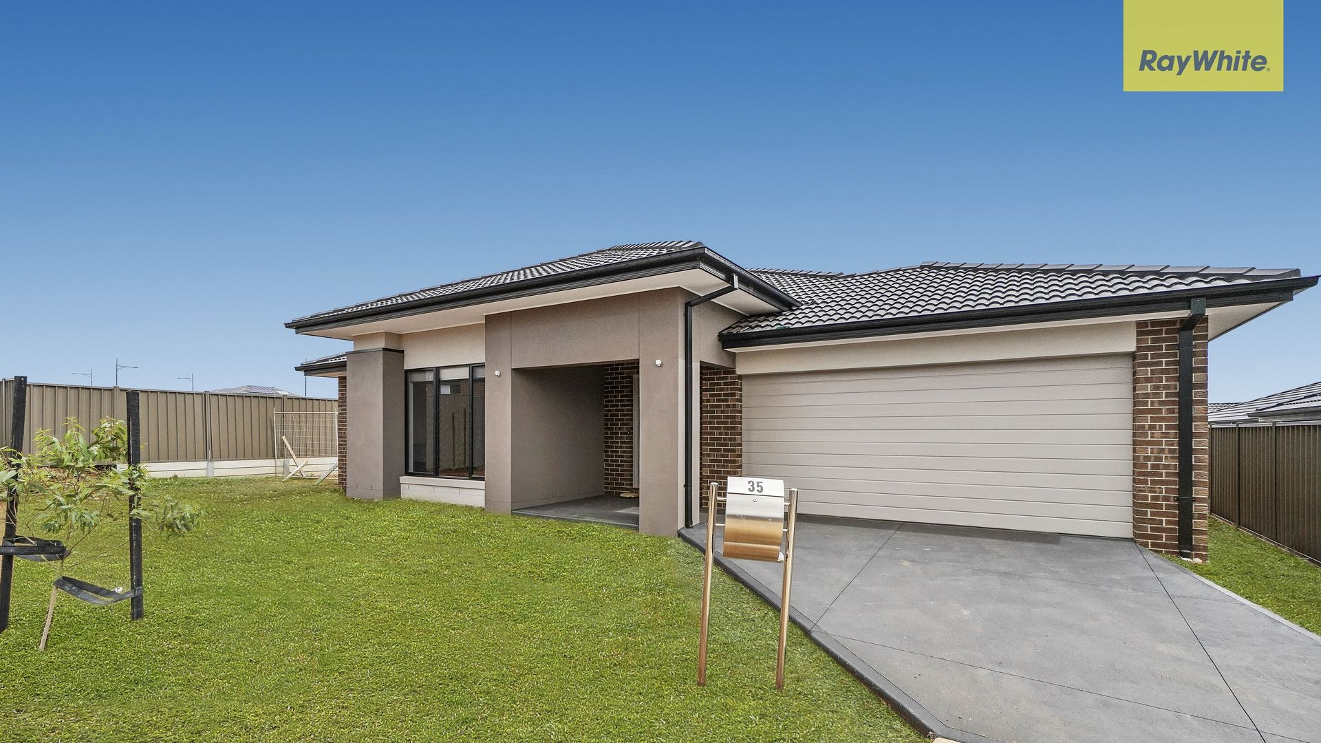 35 Jade Crescent, Melton South VIC 3338, Image 1