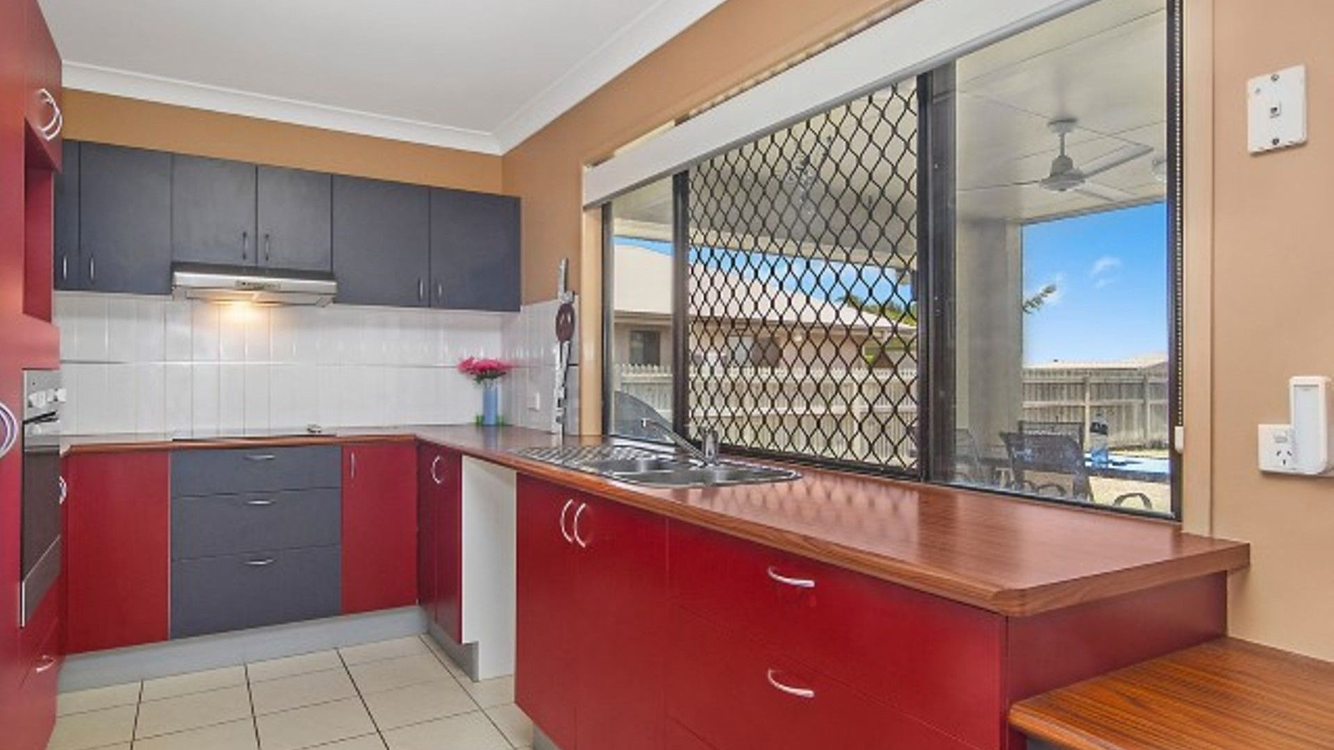 9 Fontwell Court, Mount Low QLD 4818, Image 2