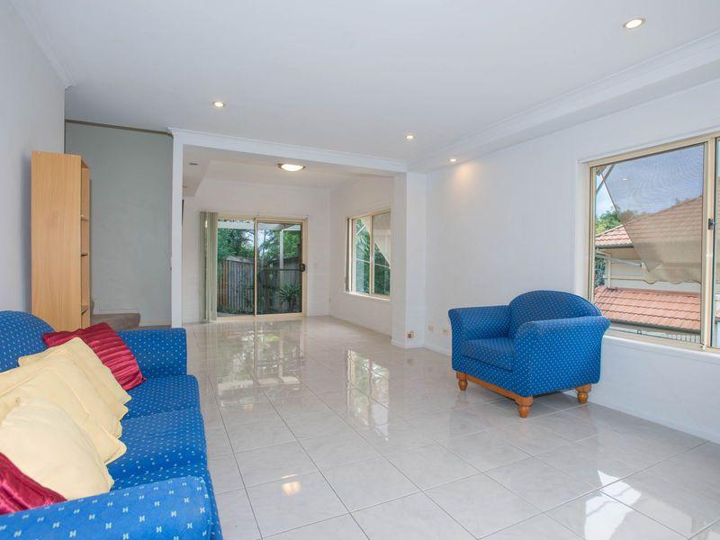 7/20 Dean Street, Toowong QLD 4066, Image 2