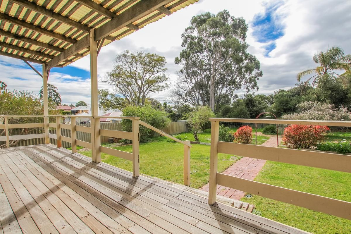 25 Grosvenor Road, Bayswater WA 6053, Image 0