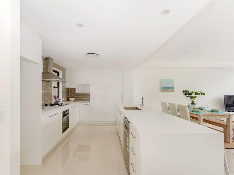 1&2/2 Heights Drive, Robina QLD 4226, Image 2
