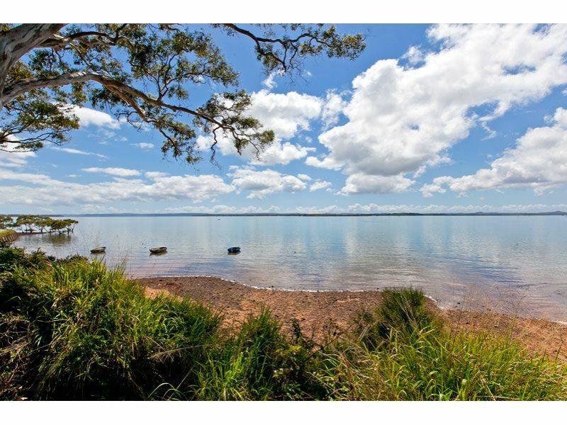 15 Esplanade, Redland Bay QLD 4165, Image 2