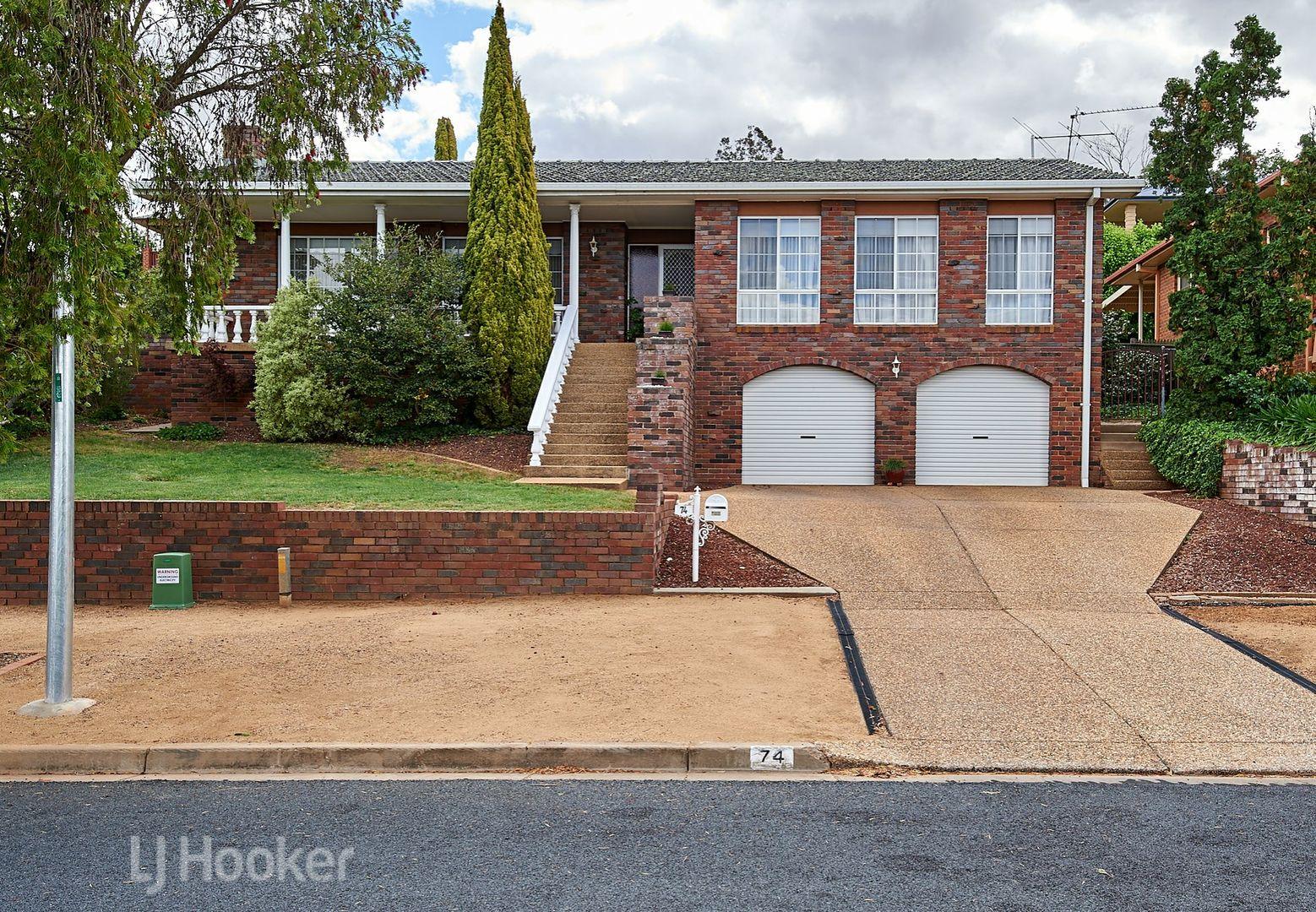 74 Amaroo Street, Kooringal NSW 2650, Image 0