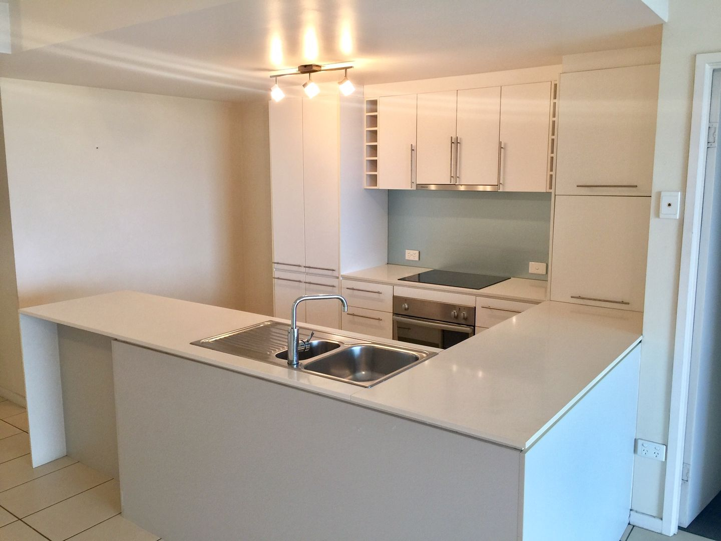 22/8-32 Stanley Street, Townsville City QLD 4810, Image 0