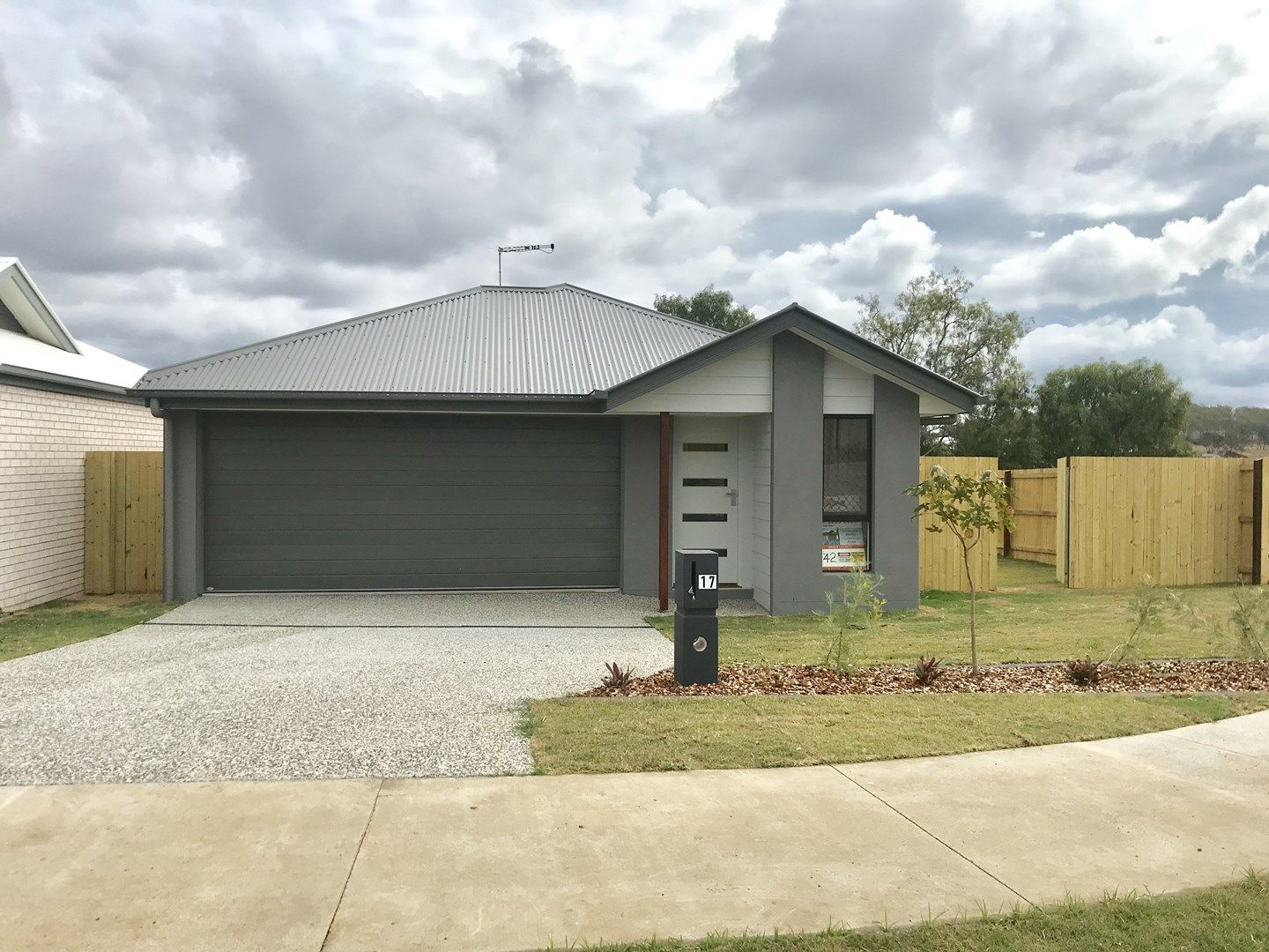 17 Gains Place, Glenvale QLD 4350, Image 0