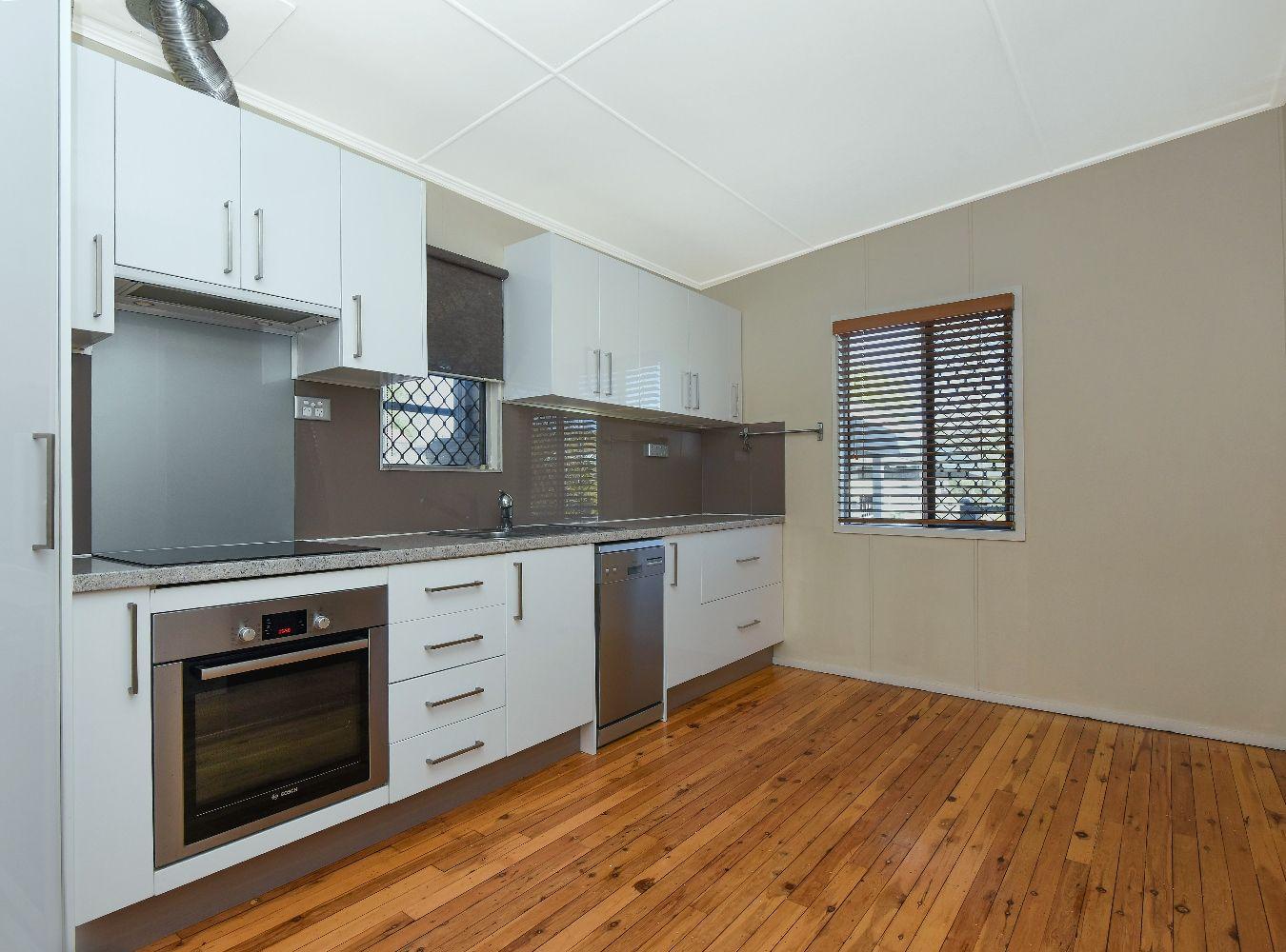 9 Glasgow Street, North Toowoomba QLD 4350, Image 2