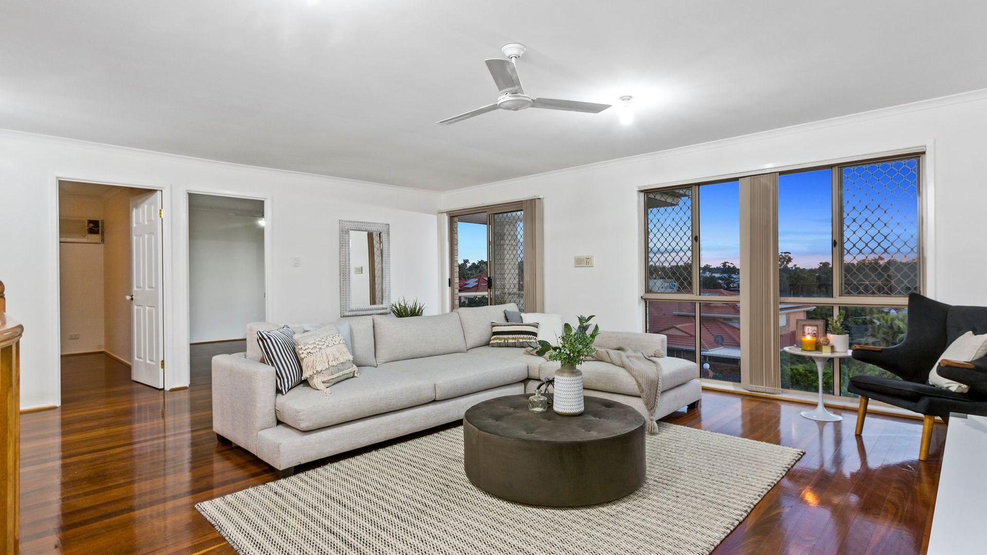 6 Bartok Place, Mount Ommaney QLD 4074, Image 2
