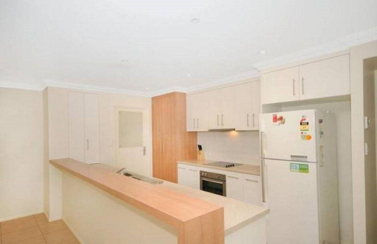 61 Pillar Street, Middle Ridge QLD 4350, Image 2