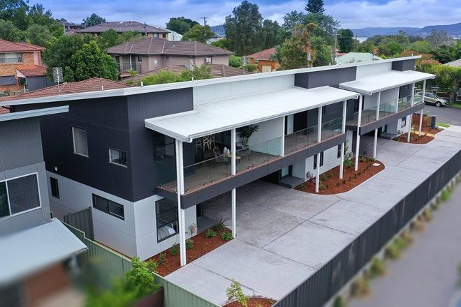 Picture of 3 & 4/17 Melbourne Street, EAST GOSFORD NSW 2250