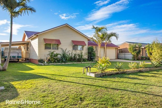 Picture of 11 Rigney Road, TANILBA BAY NSW 2319
