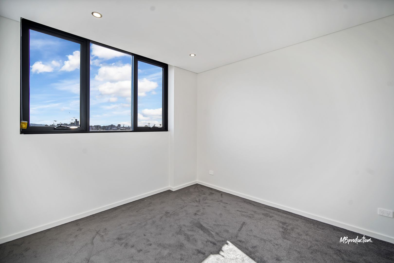 101/116-118 Gladstone Avenue, Coniston NSW 2500, Image 2