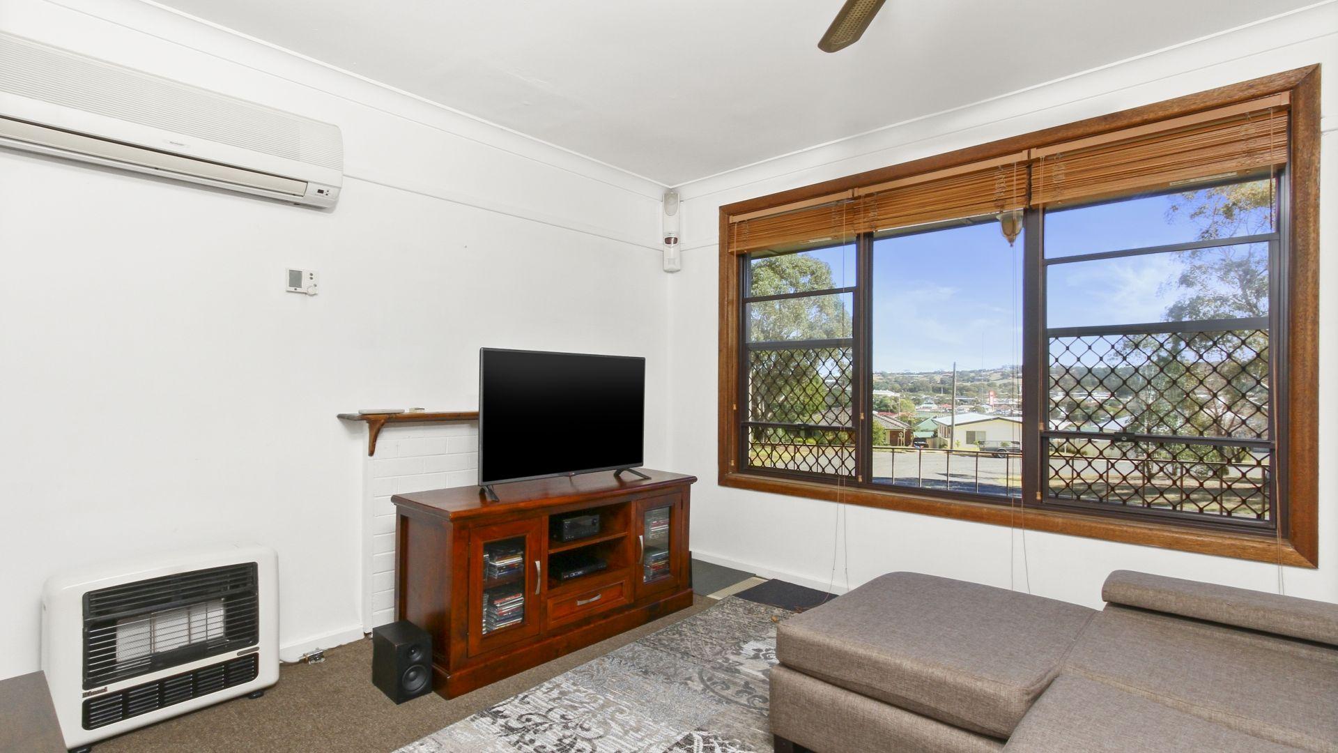 5 Davies Crescent, Goulburn NSW 2580, Image 1