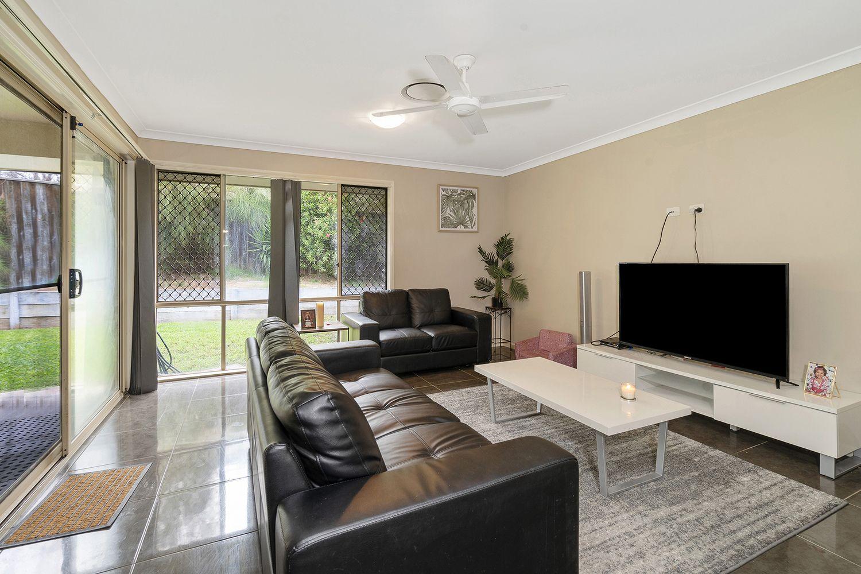 41 Finch Crescent, Aberglasslyn NSW 2320, Image 2