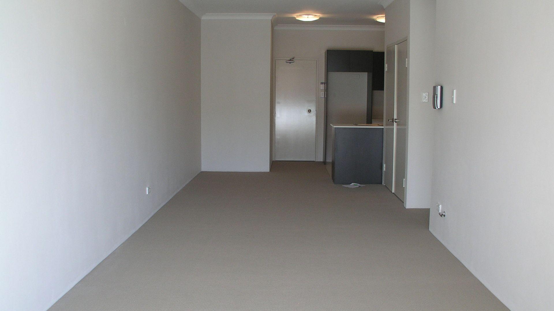 11/14 Reid Avenue, Westmead NSW 2145, Image 2