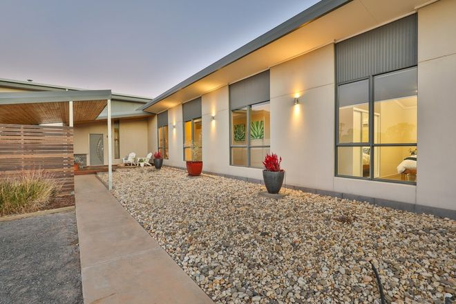 Picture of 20 Lawrence Road, ROBINVALE VIC 3549