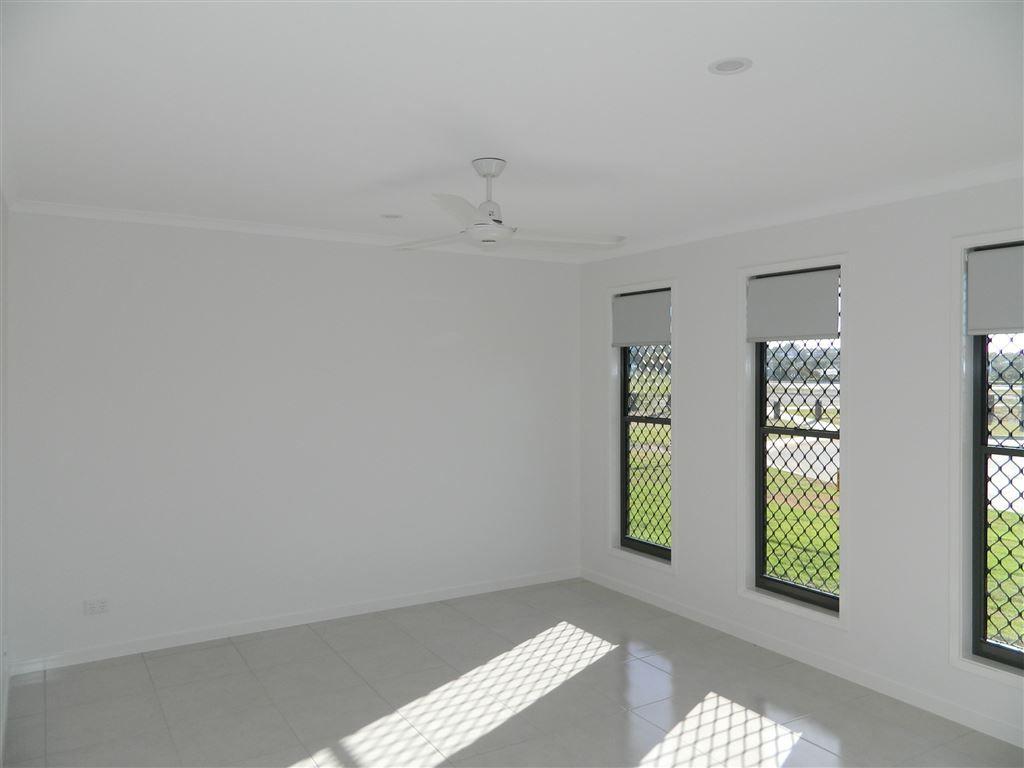 20 Louis Way, Kawungan QLD 4655, Image 1