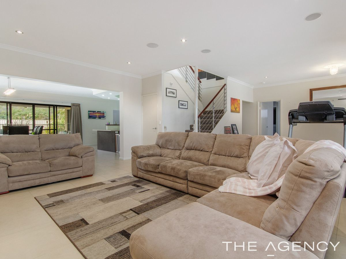 12 Wedgetail Close, Singleton WA 6175, Image 2