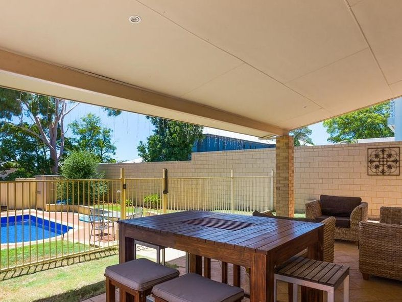 37A Davy Street, Alfred Cove WA 6154, Image 1
