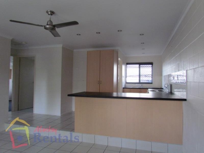 1/19 Van Eldik Avenue, Andergrove QLD 4740, Image 2
