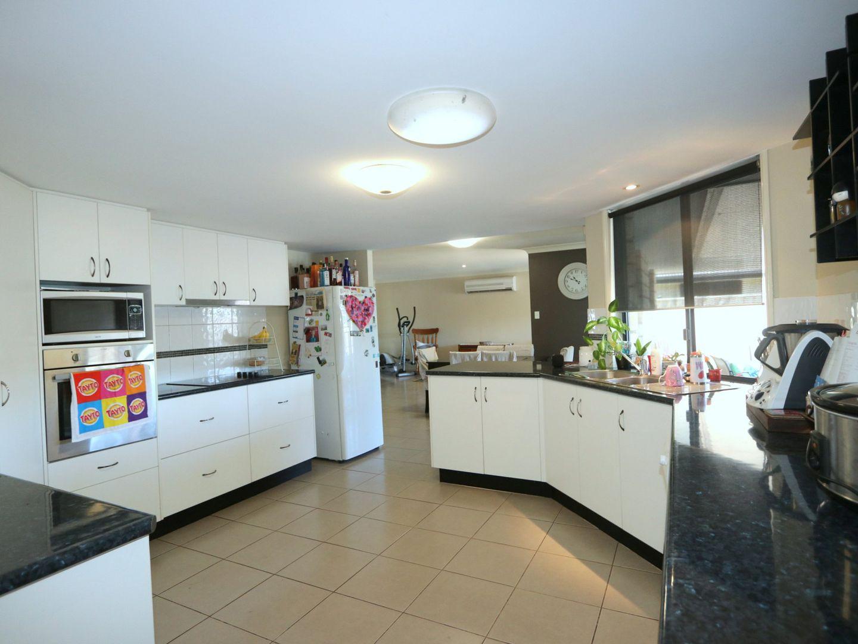 22 Crinum Crescent, Emerald QLD 4720, Image 2