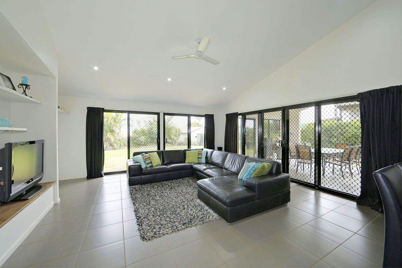 16 Martins Court, Qunaba QLD 4670, Image 1