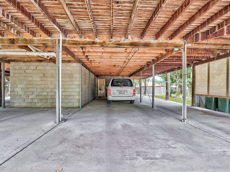 48 Pulgul Street, Urangan QLD 4655, Image 2