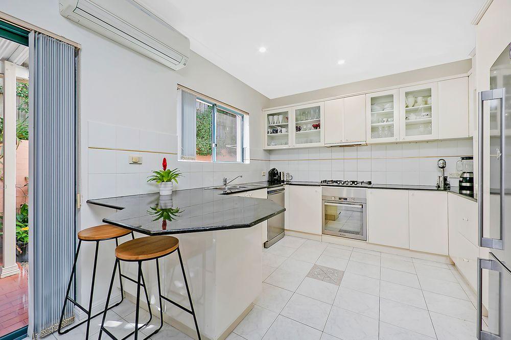 3/14 Stratford Avenue, Denistone NSW 2114, Image 1