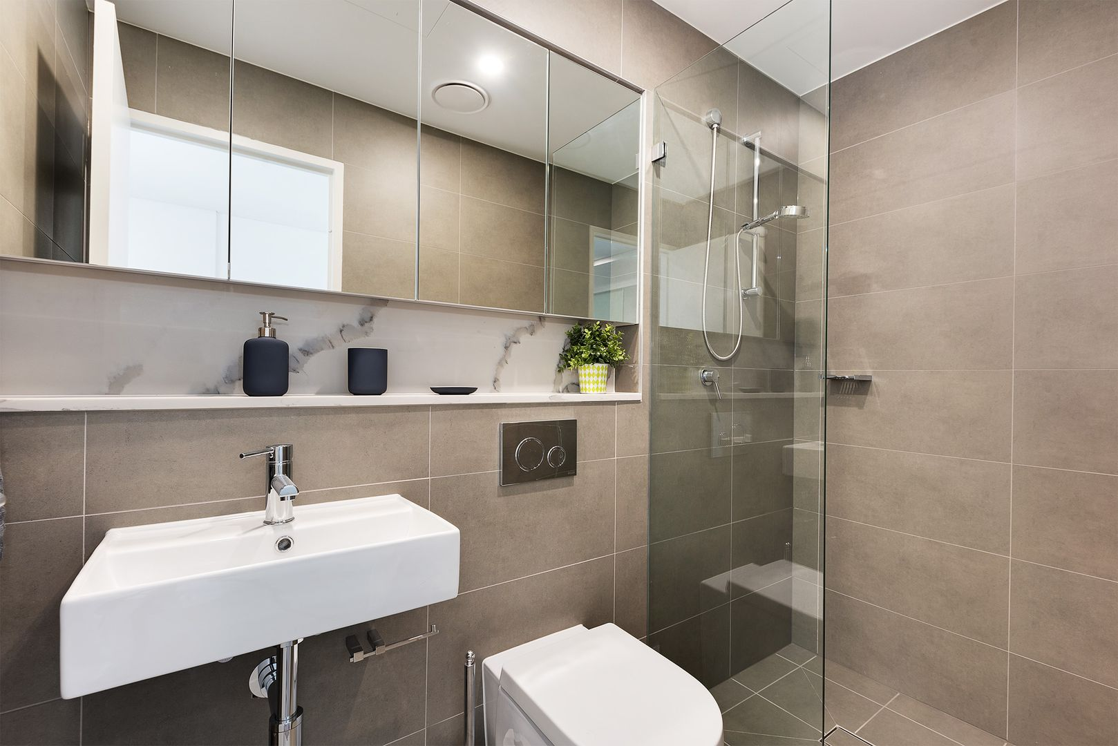 18/117-119 Bowden Street, Meadowbank NSW 2114, Image 2
