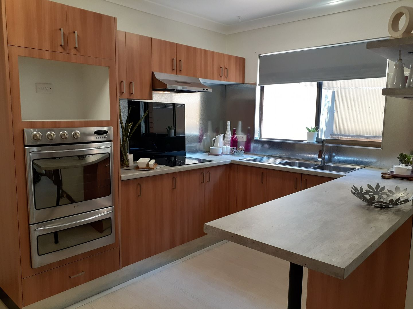 2/110A Collins Street, Corrimal NSW 2518, Image 2
