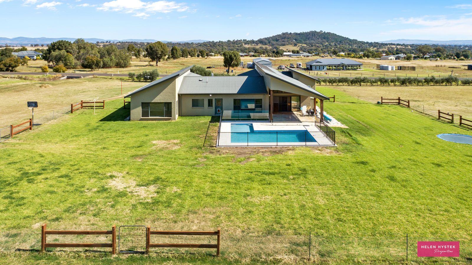 2 Honeyeater Place, Moore Creek NSW 2340, Image 1