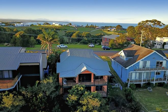 Picture of 63 Red Head Road, RED HEAD NSW 2430