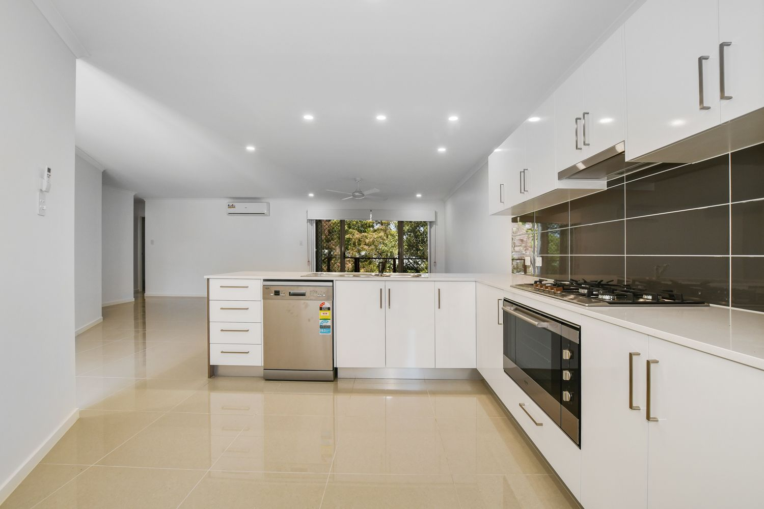 18a The Grove, Alexandra Headland QLD 4572, Image 2