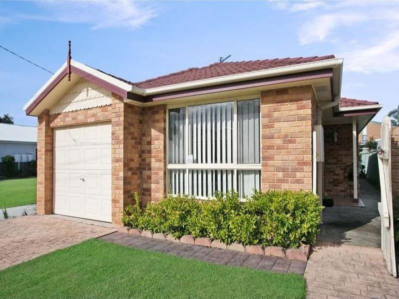 28 Selwyn Street, Merewether NSW 2291, Image 0
