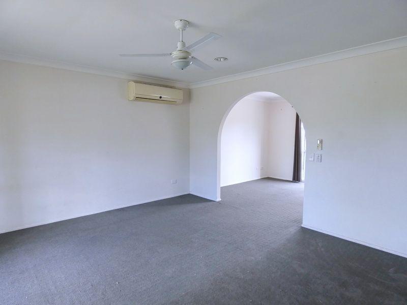 8 Serissa Court, Crestmead QLD 4132, Image 2