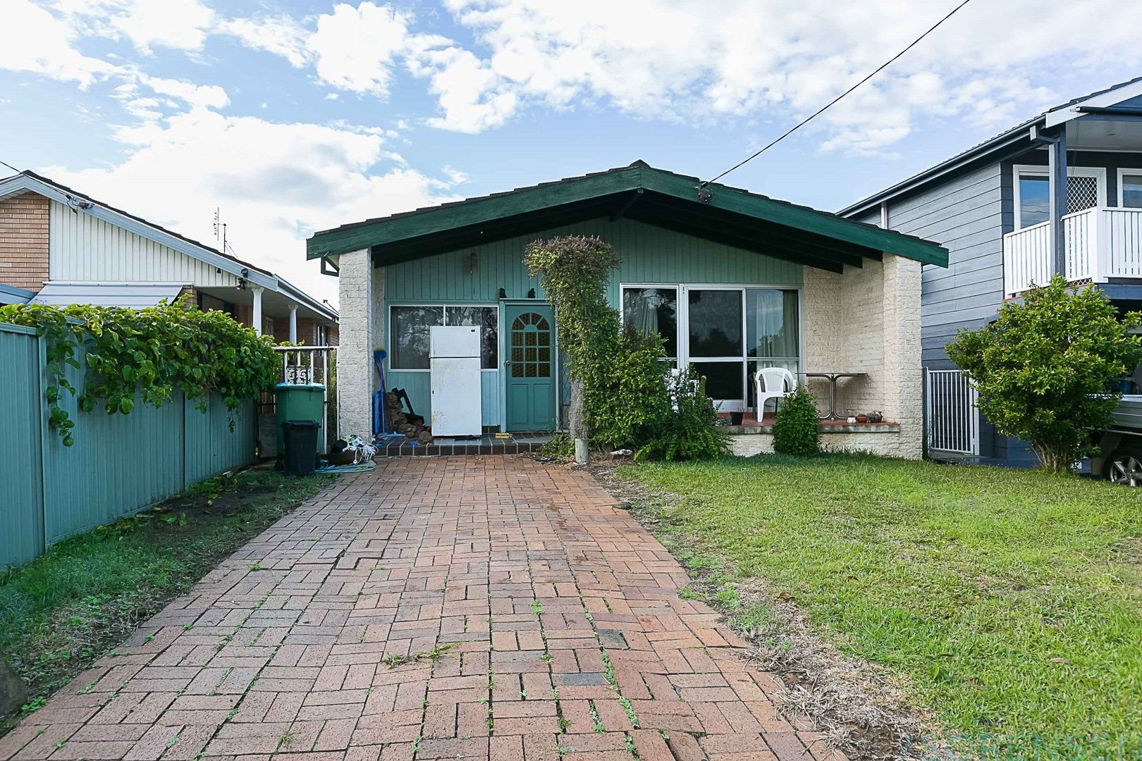 22 Marmion Street, Mannering Park NSW 2259, Image 0