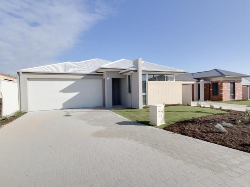 32 Needletail Avenue, Alkimos WA 6038, Image 0