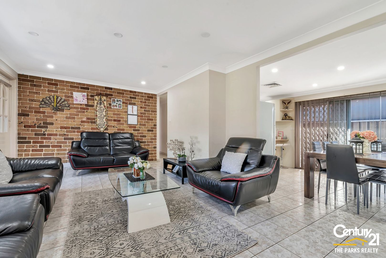 35 Bossley Road, Bossley Park NSW 2176, Image 1