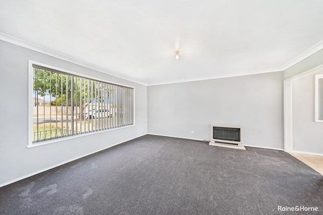 Picture of 30 Buffalo Crescent South, GOULBURN NSW 2580