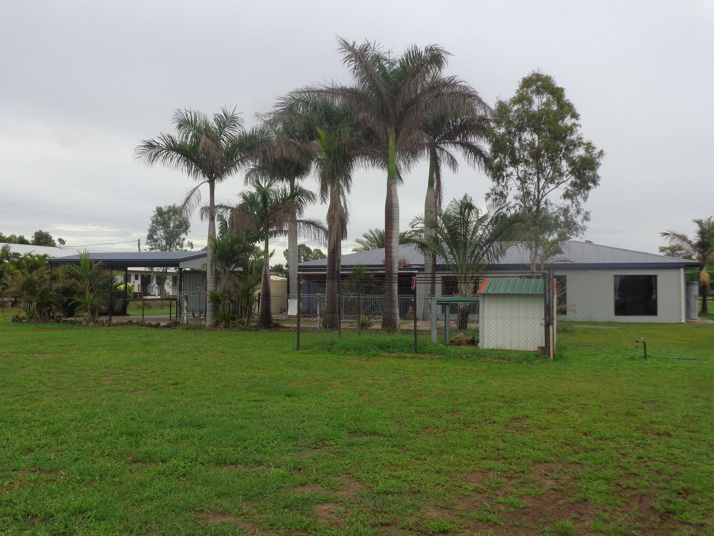 18 Edgewood Drive, Emerald QLD 4720, Image 2