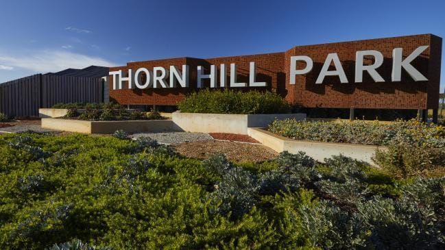 6 Inverness Place, Thornhill Park VIC 3335, Image 2