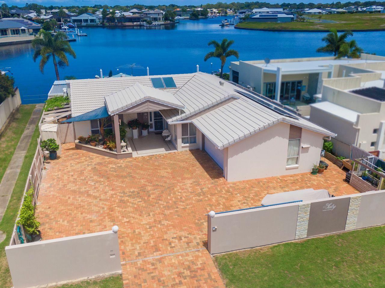 60 Cosmos Avenue, Banksia Beach QLD 4507, Image 2