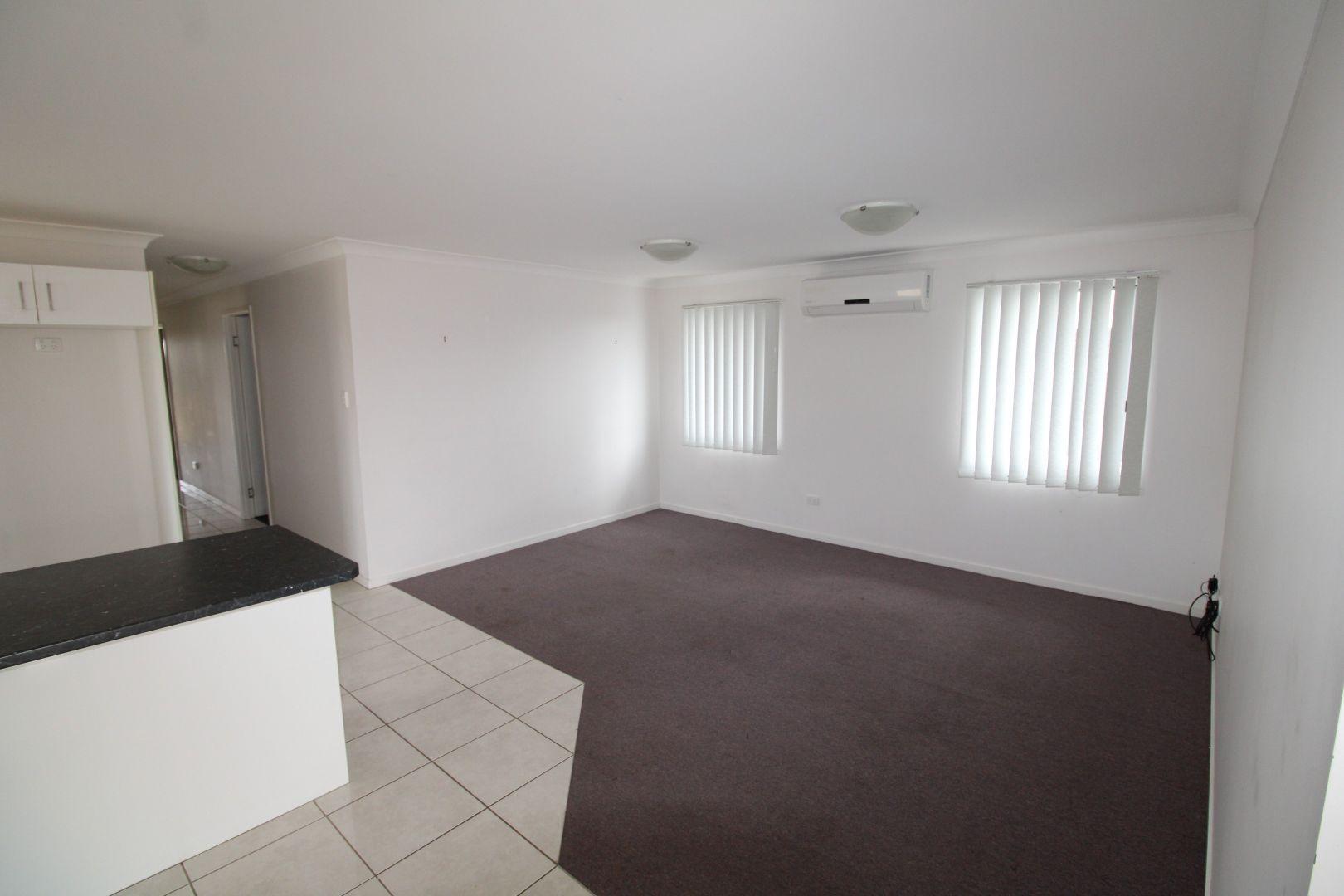 3 Whitney Street, Emerald QLD 4720, Image 2
