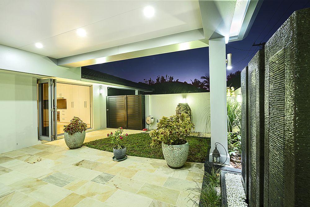 1/26 Donald Avenue, Paradise Point QLD 4216, Image 2