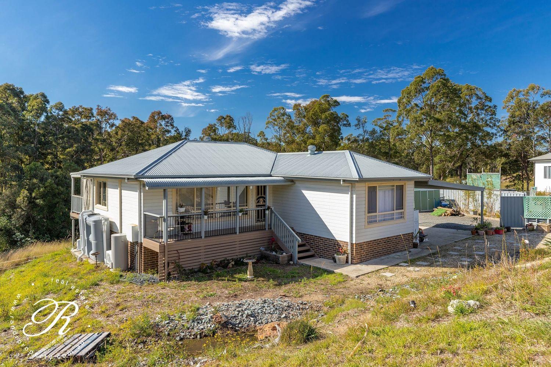 11 Creekline Crescent, Tallwoods Village NSW 2430, Image 1